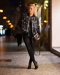 Olga Oliwye Soukupova - Givenchy Men Reversible Black Khaki Bomber Logo Jacket, Givenchy Black Obsedia Bag Clutch - NIGHT RIDE