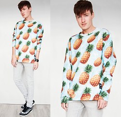 Erwin Bloemendal - Breaking Rocks Clothing Pineapple Man Sweater, Ecco Intrinsics - Pineapple
