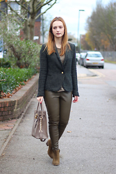 Kasia Brzozowska - Michael Kors Bag, Zara Trousers, Zara Blazer, Zara Boots - 50 shades of green