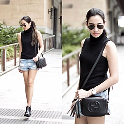 Wafaa Hassan - Glassons Ankle Boots, Bershka Boyfriend Shorts - Turtleneck Top
