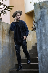 Michael Macalos - River Island Wool Hat, Acne Studios Black Shirt, Zara Jeans - Oh Thursdays..
