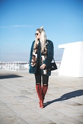 Inês M - Zara Coat, H&M Stole, Missguided Boots - Wasted on Rust