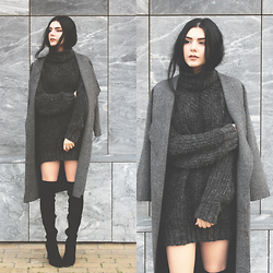 CLAUDIA Holynights - Style Moi Dark Grey Knit Coat, Ego Long Boots - Dark grey