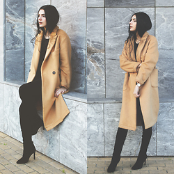 CLAUDIA Holynights - Frontrowshop Camel Coat, Style Moi Black Jumper, Ego Long Boots - Camel and black