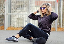 Ana Maria Oprea - G Star Raw Cade Bomber, Komono Lulu, Sony Mp3, G Star Raw Davin, Adidas Superstars - Music ON world OFF///anamariaoprea.com