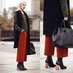 Masha Sedgwick - Acne Studios Shoes, Bally Bag - Autumn Colors