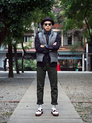 PJ Chen - Uniqlo Wool Gentry Hat, Ray Ban Sunglasses, Uniqlo Wool Down Vest, Uniqlo Wool Blazer, Uniqlo Necktie, Uniqlo Denim Shirts, Orient Watch, Leather Wristband, Uniqlo Trousers, Uniqlo Socks, Dr. Martens Wingtip Shoes - 20151123