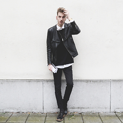 Martin Bonke - New #Ootd On Fckhim.Com Now!, Topman Leather Biker Jacket, Asos Oversized Sweater, Topman Black Pants, Topman Oxford Shoes - Layering Leather.