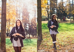 Melli DeLaVie - Missguided Dress, Hunter Boots, Poncho - Hunter Love - Autumn Outfit