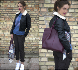 Yulia Proskurina - Urbancode Leather Jacket, Nike Sneakers - Casual look