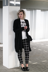 Rowan Reiding - Costes Black White Grid Check Trousers, Hip Voor De Heb Oversized White T Shirt Quote, Asos Black Chunky Knit Oversized Cardigan, Gabor Black Loafers - P1