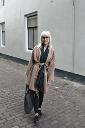Merel - H&M Coat, Bought In Florence Scarf, H&M Leggings, Myomy Paperbag, Manfield Dress Shoes, Polette Glasses - CHASING ALL THE HEADLIGHTS