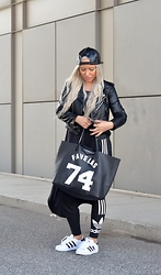 Olga Oliwye Soukupova - Givenchy Large Antigona Favelas Bag, Adidas Originals 3 Stripes Logo Leggings, Adidas Originals Black And White Superstar Ii, Zara Faux Black Leather Zipper Moto Biker Jacket, Vintage Faux Leather Black Baseball Cap - FAVELAS