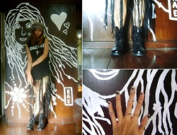 Rae Abigael Caacbay - Dresslink Black Combat Boots, Born Pretty 7pc Set Boho Ring - I whirled around, spooked.