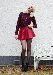 Sotzie Q - Dresslink Burgundy Skirt, Dresslink Lipstick, Second Hand Tartan Shirt - Days with you