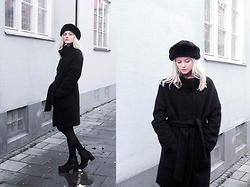 Louise Amelie Whitehouse - Her The Label Wrap Coat, Vagabond Suede Boots, Vintage Hat - Wrap Coat