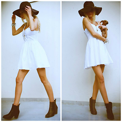 Magdalena Krupa - H&M White Dress, Bianco Boots, Accessorize Hat - It's summer somewhere