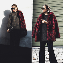 Alison Liaudat - H&M Red Faux Fur Coat, Christian Dior So Electric Shades, H&M Knit, H&M Flared Denim - Faux fur & Flared Denim