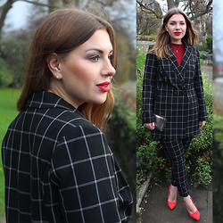 Yuiya @ Yukova Blog - Oasis Longline Jacket, Oasis Check Trousers, Gap Top - Sunny days in London