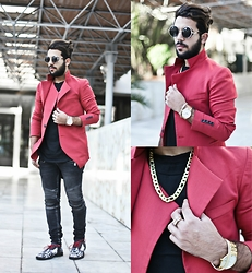 Khalil Alaoui - Http://Goo.Gl/Zexvrr Ring,Chain & Bracelet, Mccabewatches Watch, Guylook Pant - GOD LIKE NO UGLY !
