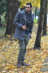 Hector Diaz - Club Monaco Topcoat, J. Crew Fair Isle Sweater, The Rail Joggers, H&M Infinity Scarf, Aldo Weather Boots - Return of the Topcoat