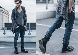 Klemens - Marc O'polo Boots, Nudie Jeans, H&M Cardigan, H&M T Shirt - LONG CARDIGAN