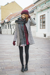 Dominika Cupkova - Oasap Beret, Sheinside Coat, Sheinside Scarf, Sheinside Sweater, Oasap Skirt - French connection