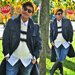 Butch Cervantes - Zara Beanie, Burberry Trench Coat, Diesel Denim Pants, Zara Winter Boots, H&M Faux Fur Pullover - Autumn in Toronto