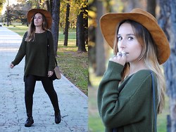 Claudia Villanueva - Zara Hat, H&M Sweater, Mango Bag, Mango Leggings, Cndirect Creepers - Casual Fall Colors
