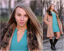 Klaudia - Reserved Turquoise Mini Dress, Relis Wool Coat With Fur Collar, Lasocki Leather Boots, Apart Golden Chain - Fur elegancy in beige and turquoise shades