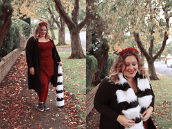 Kitty Wood - Pink Clove Duster Jacket, Missguided Red Top, Asos Red Ridley Jeans, New Look Black And White Faux Fur Scarf, Crown & Glory Lotta Rosie Headband In Burgundy - Fall
