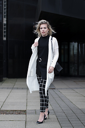 Rowan Reiding - Costes Grid Check Pants Black White, Melting Stockholm Oversized Long White Cardigan, Guess Pointy Toe Pumps, Mango Black Fold Over Combeye Top Ring, Zara Leather Chain Bag Chanel Boy Bag - BLACK + WHITE