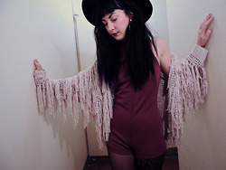 Anna Hurricane - Forever 21 Fringe Cardigan, Vintage 70`S Playsuit, Cheap Monday Black Filt Hat, H&M Golden Pleated Rings - Tape song