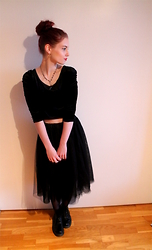 Veera Johanna - Kalevala Jewelry Earrings, Second Hand Necklace, Diy & Second Hand Velvet Crop Top, Second Hand Tulle Skirt, Dr. Martens Boots - BLACK ON BLACK