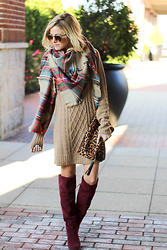 Kim Tuttle - Cotton Emporium Sweater Dress, Socal Gems Blanket Scarf, Ray Ban Clubmaster, Shoemint Boots, Emperia Leopard Clutch - Blanket scarf