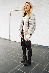 Laenoky - H&M Trend Down Jacket, Topshop Overknees - Shine on!