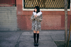 Amy Roiland - Coat - STAY WARM //