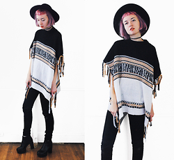 Gigi M. - Wholesale 7 Poncho - Cozy