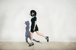 Amy Roiland - Eeight Shoes - DRIVE