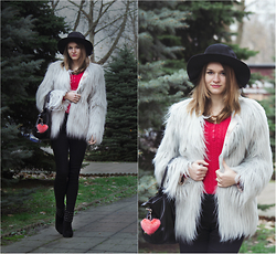 Marina Senina - Https://Vk.Com/Club48977128 Hat, Https://Vk.Com/Club48977128 Fur Coat, Bershka Black Jeans - To conquer the urban open spaces