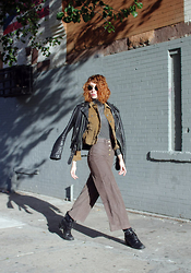Claire Geist - Aritzia Corduroy Cropped Jacket, Uniqlo   Heattech Turtleneck, Vintage Leather Jacket, Aritzia Corduroy Cropped Flare Pants, Vintage Wrap Boots, Ray Ban 3447s - ☃ La Di Da ☃