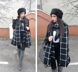 Indyra Divine - Choies Grey Boots, Zara Plaid Scarf, Russian Faux Fur Cap - IAMX - Happiness