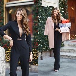 Larisa Costea - Steve Madden Sandals, Tgh Fashion Jumpsuit - Christmas is coming
