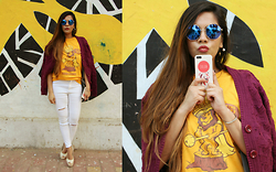 Pooja Mittal - The Souled Store, Dreamcatcher Phonecase, Lenskart Hexagonal Singlasses - The Leo Girl-Zodiac Tshirt