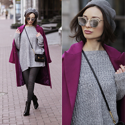Sonya Karamazova - No Weekends Eyewear, Sophie Hulme Bag - COZY SWEATER DAYS