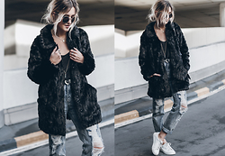 Mikuta - Vila Faux Fur, Fashion Pills Jeans, Esprit Shoes, Pilgrim Necklace - FURRY + DENIM