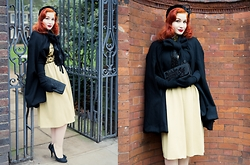 Roberta D. - Beyond Retro Vintage Cape, Beyond Retro 1970´S Dress, Beyond Retro 1950´S Clutch, Beyond Retro 1950´S Velvet Hat, Dior Heels - Black