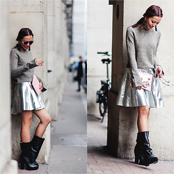 Thythu NGUYEN - Zara Cashmere Pull, Topshop Silver Skirt, Playnomore Play No More Clutch, Carven High Heels Boots - Silver & Grey