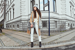 Ilirida Krasniqi - Asos Coat, Topshop Beanie, Missguided Bag, Missguided Pants, Topshop Knit, Vila Scarf - Winter vibes