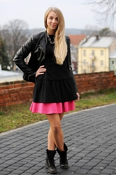 Klaudia - Pretty Girl Leather Jacket, Takko Necklace, Nelly Trend Black Basquine Tunic, Mohito Pink Mini Skirt, Lasocki Leather Boots - Pink mini with blacks